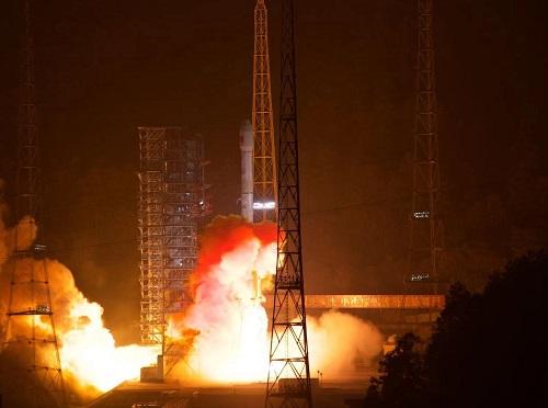 天通一号02星发射成功 服务亚太区域移动通讯