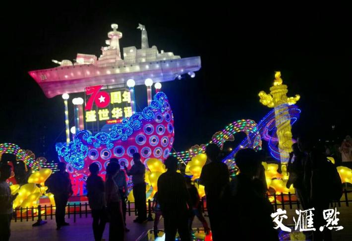 美轮美奂,泰州凤城河灯会人气爆棚