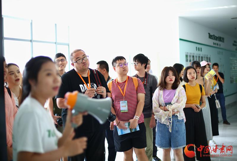 全国网媒采访团走进三亚互联网信息产业园 见证