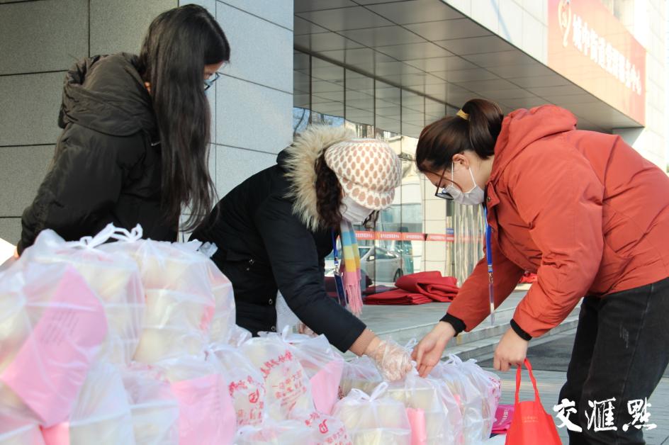 """爱心不断线 泰州两位""""中国好人""""倡议给他们送包子"""